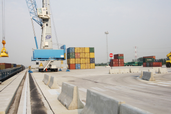 Containerterminal DP World in Grobbendonk ligt stil